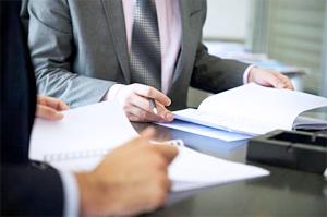 Как юристу предприятия контролировать исполнительное производство по возвращению долгов контрагентов